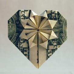 hacer un corazon origami con billete