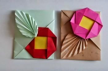 sobre origami con flor